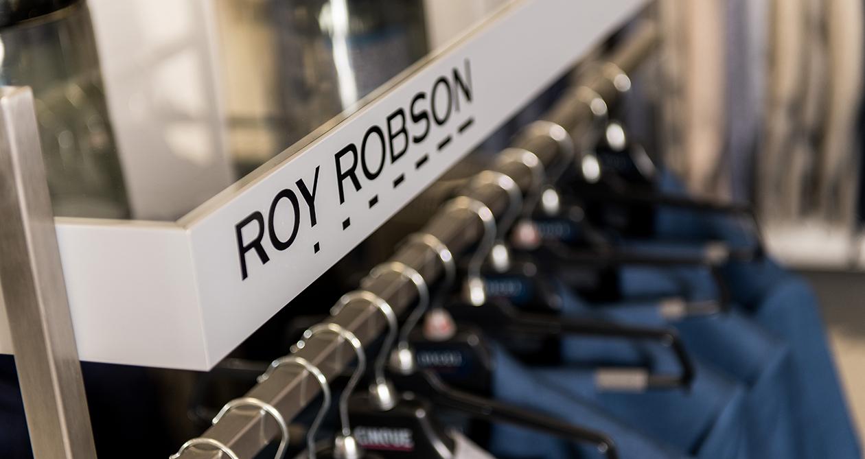 Herrenbekleidung von Modemarken wie Roy Robson, Gardeur und Digel